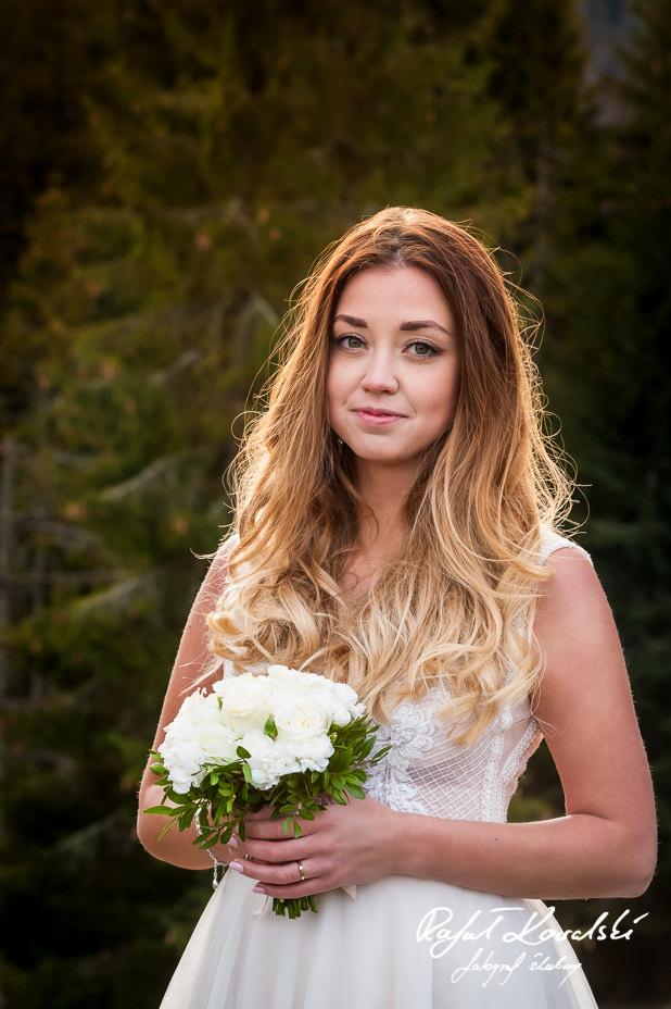 Sesja ślubna w Tatrach delikatny portret panny młodej