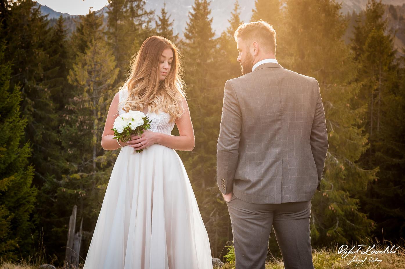 ona i on - portret pary mlodej w górach Tatrach