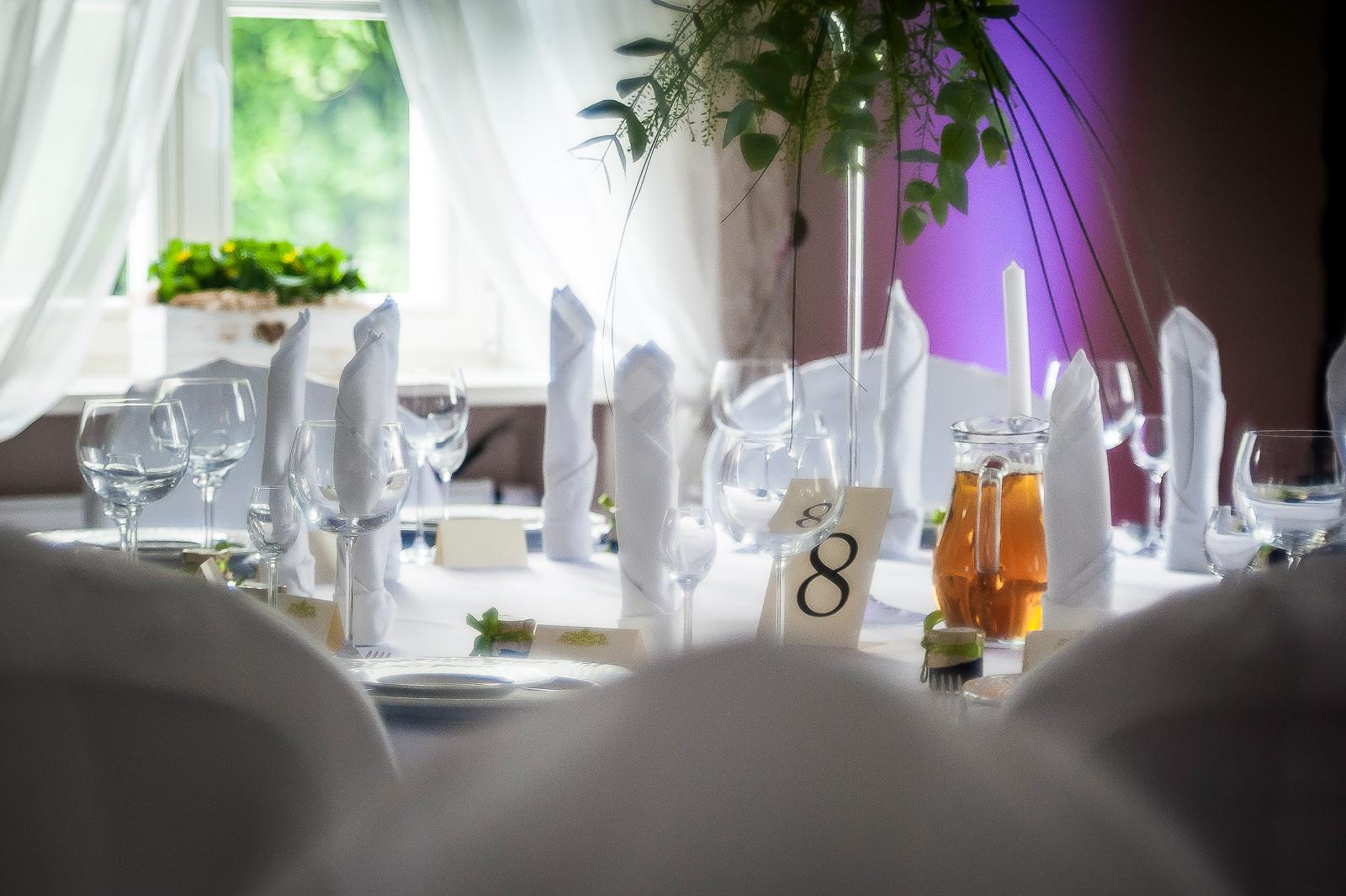 Zastawa stołowa na weselu w Dworze Fijewo