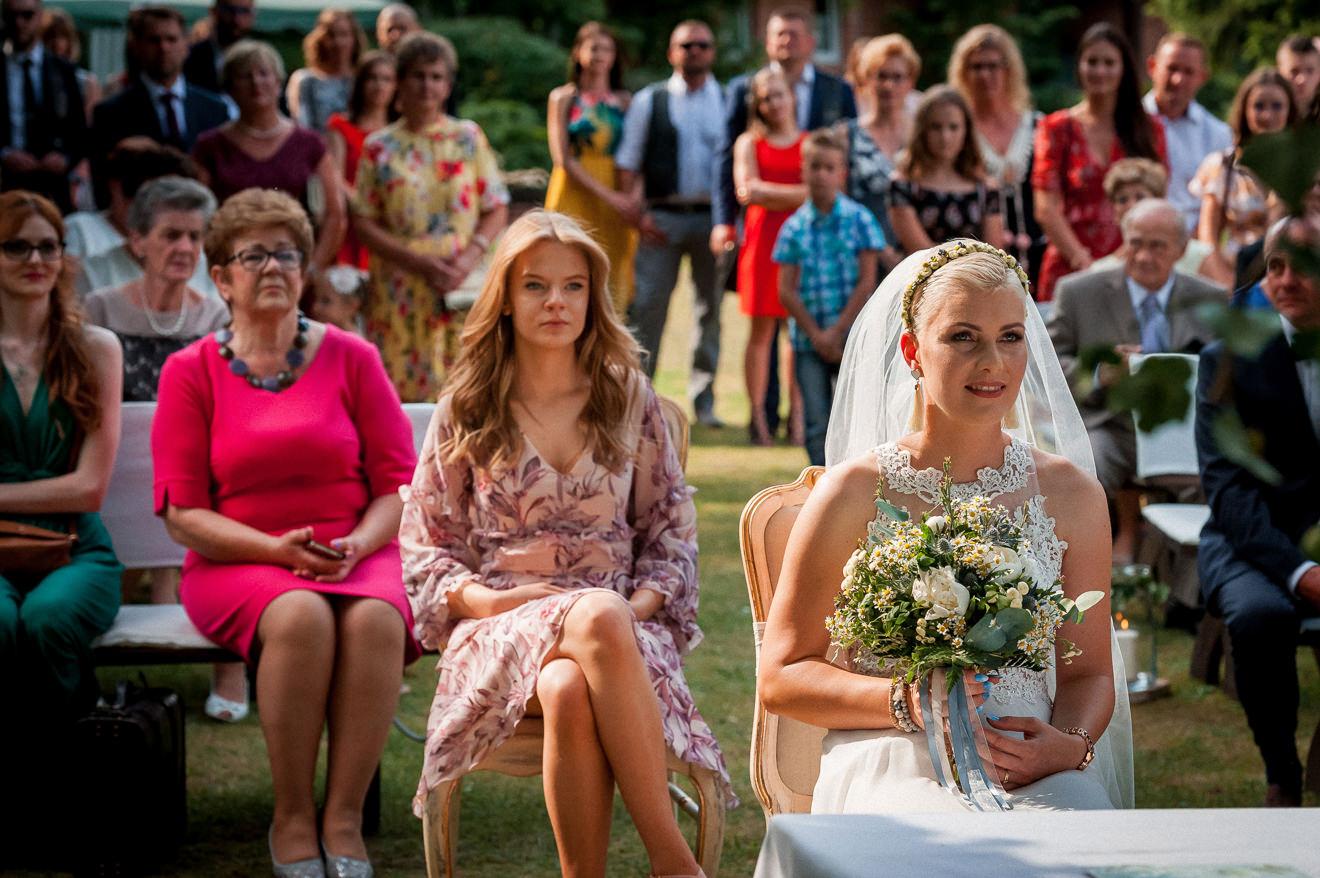Ślub cywilny w plenerze Panna Młoda