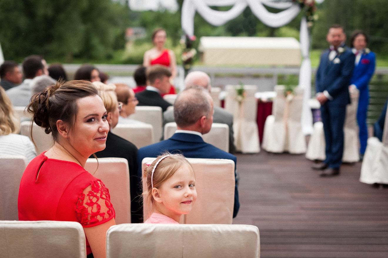Ślub w plenerze na tarasie hotelu