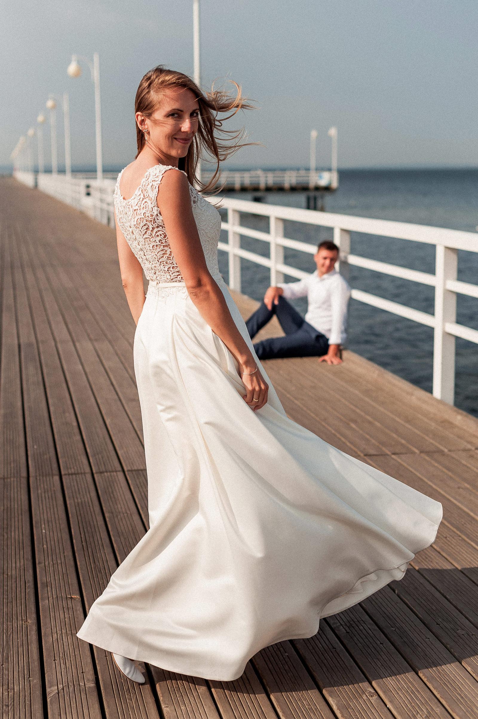 sesja ślubna - spojrzenie wprost w obiektyw