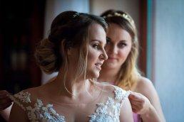 Przyjaciółka panny młodej to najlepszy materiał na dobrą druhnę, zrobi wszystko abś wyszła bosko na swoich zdjęciach ślubnych.