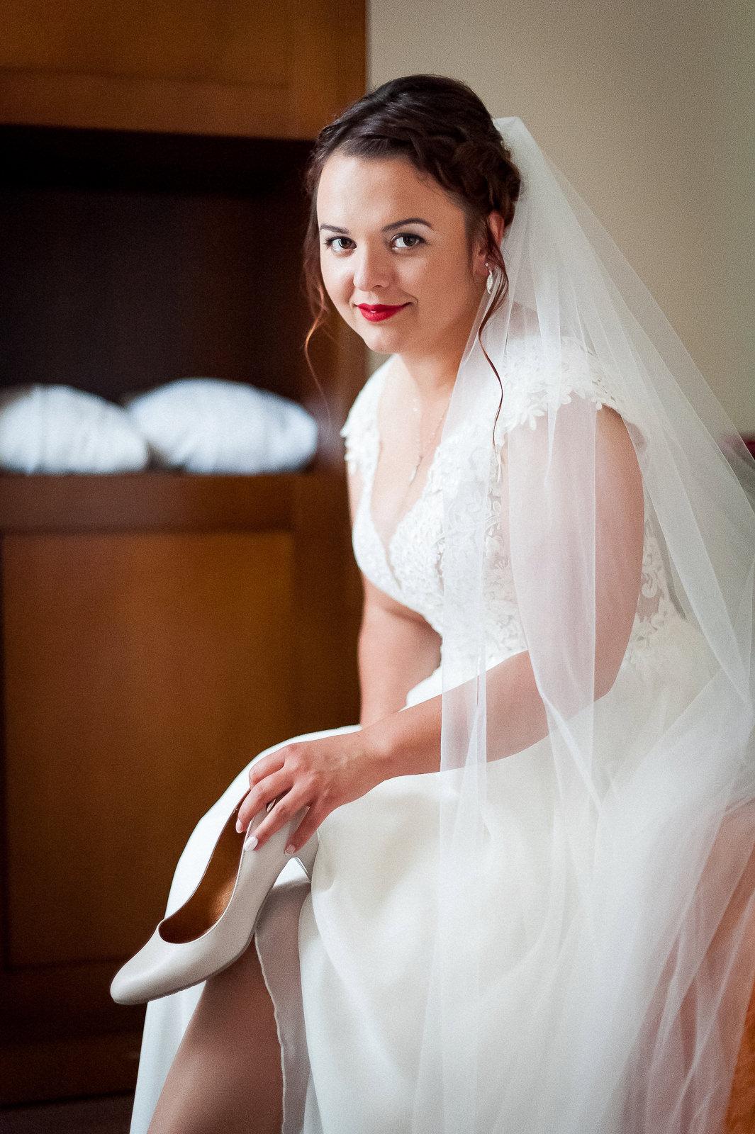 dobrze dobrane buty nie tylko będą pasowały do sukni ślubnej na pamiątkowych fotografiach, ale też zagwarantują szaloną całonocna zabawę podczas wesela