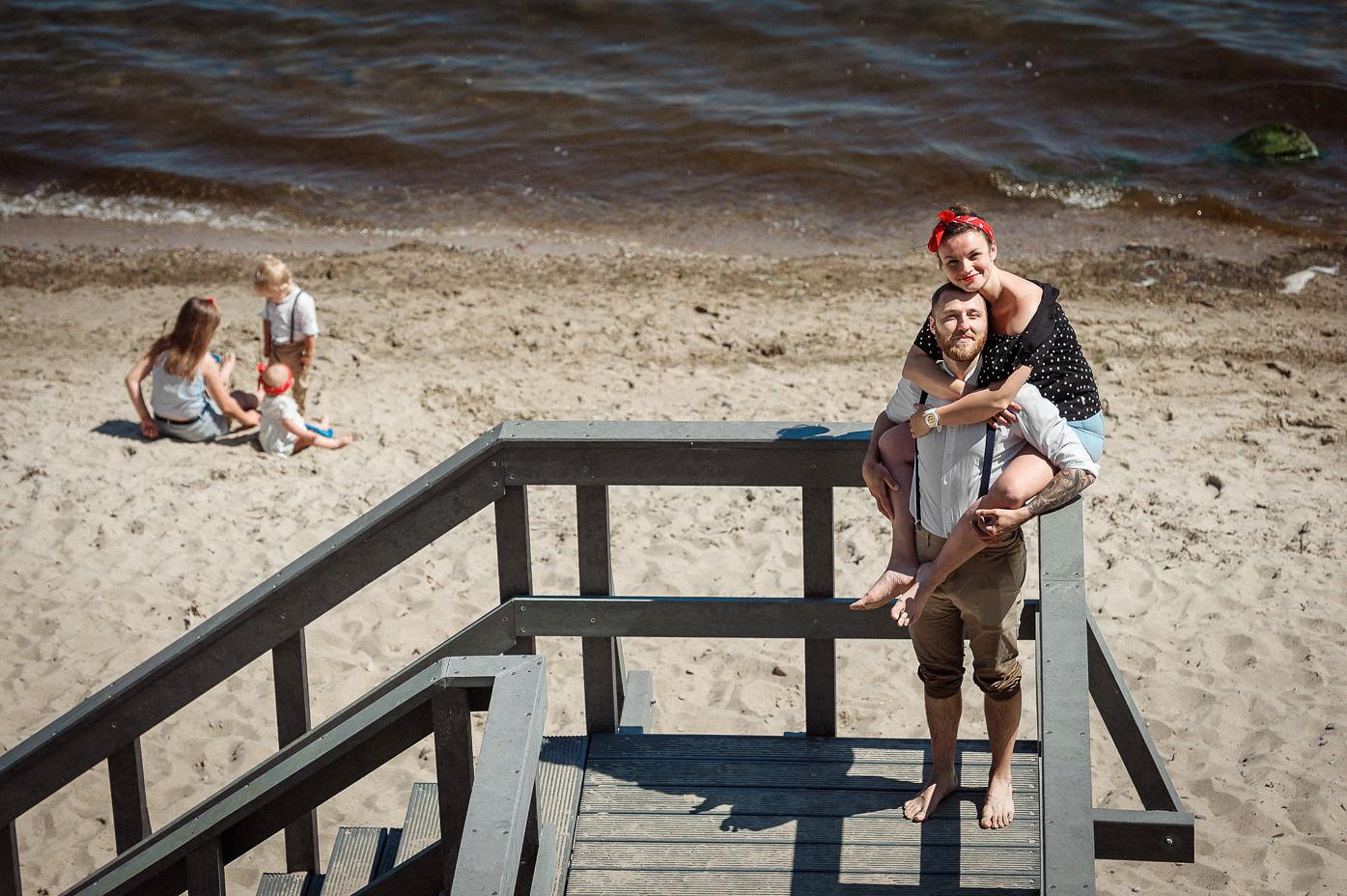 Rafał Kowalski Fotograf Ślubny opinie - rodzinna sesja zdjęciowa na plaży w Mechelinkach