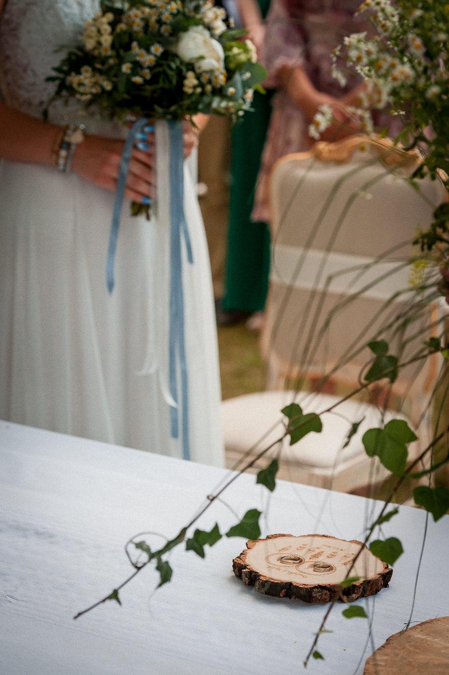 stylistyka boho na ślubie plenerowym