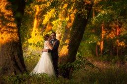romantyczna sesja ślubna w lesie fotograf-weselny-Kościerzyna-fotografia-ślubna-Kościerzyna-sesja-ślubna-Kościerzyna