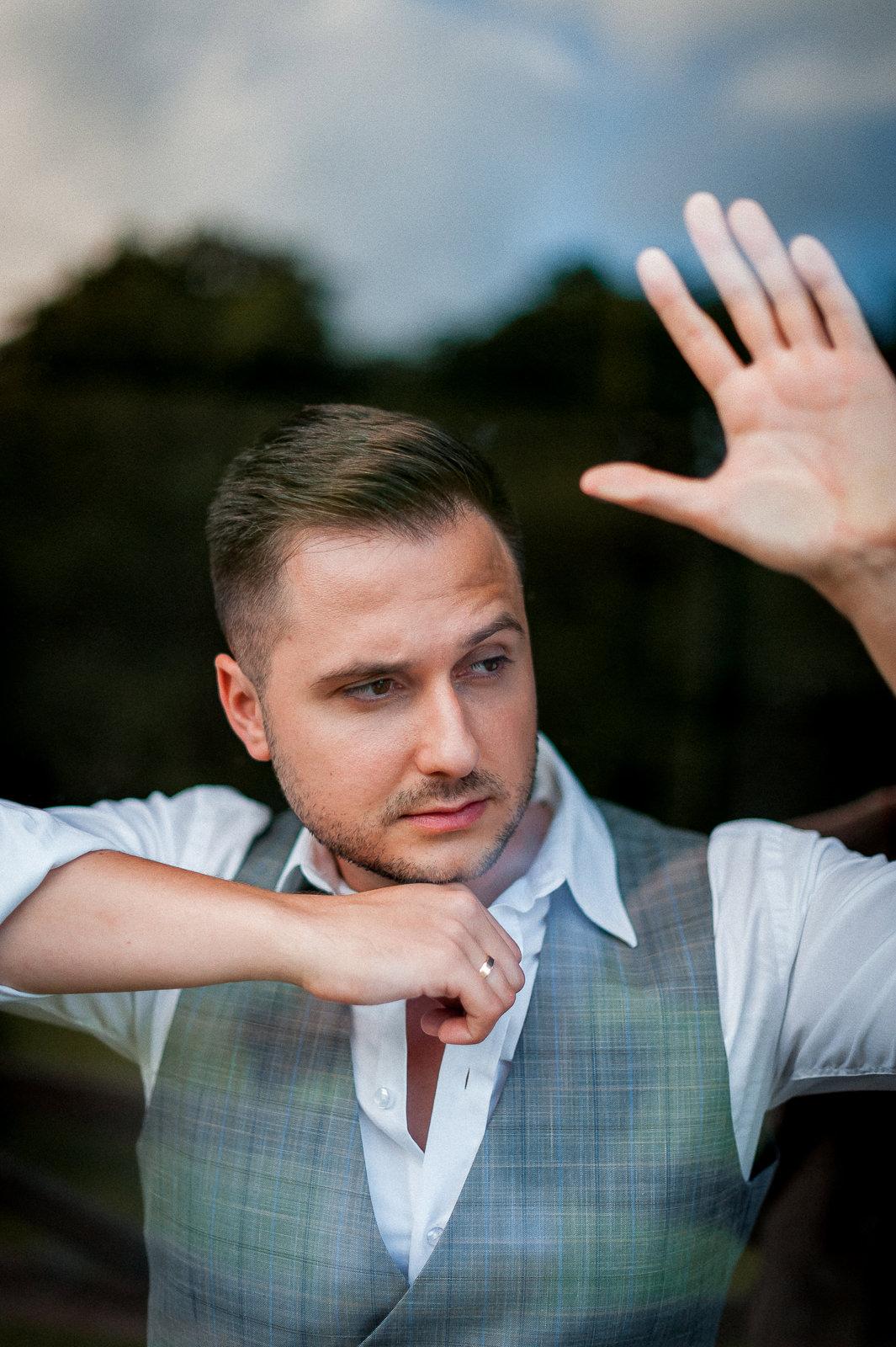potret pana młodego fotograf-weselny-Malbork-fotografia-ślubna-Malbork-sesja-ślubna-Malbork