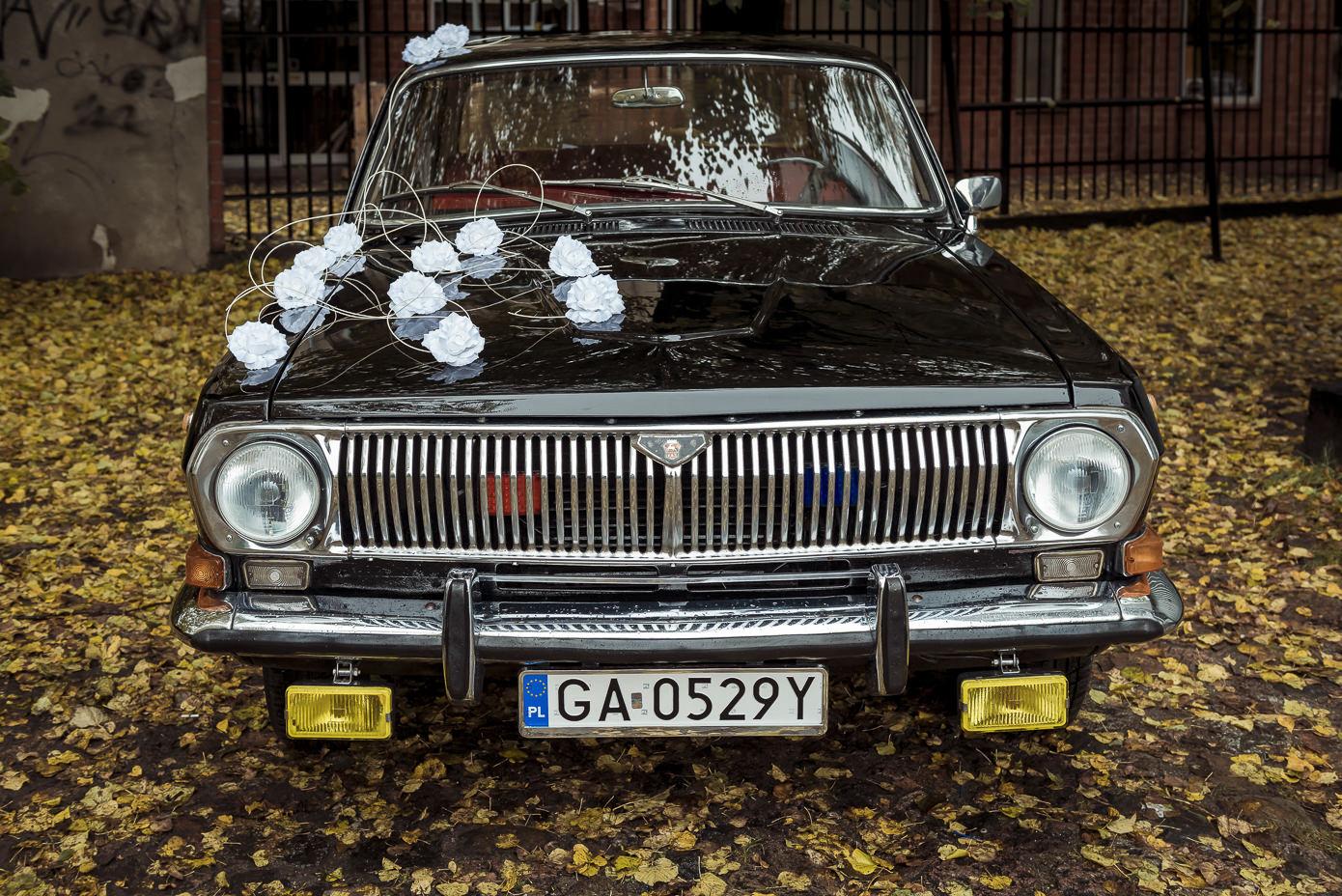 Ślubne inspiracje samochód do ślubu